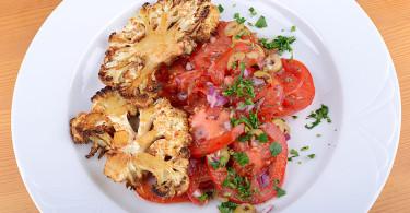karfiolsteak paradicsom salátával diétás vegan recept