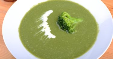 fitnesz brokkoli krémleves