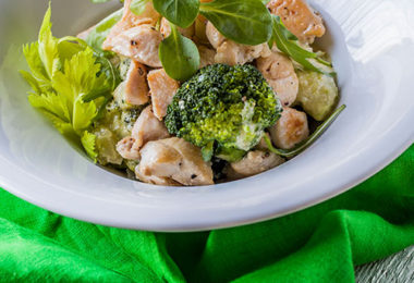 csirkemell, brokkoli és kesudió recept