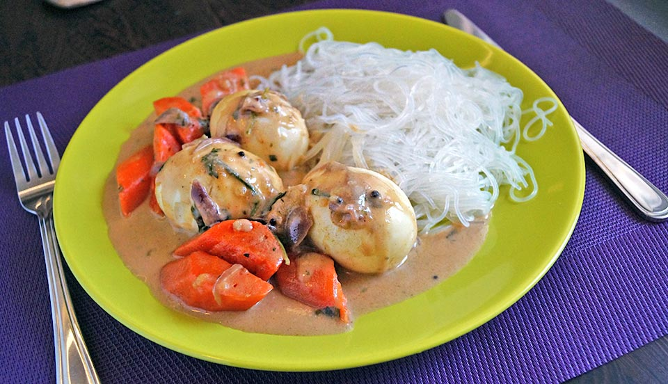 Diétás recept tojással répával és kókusztejes raguval