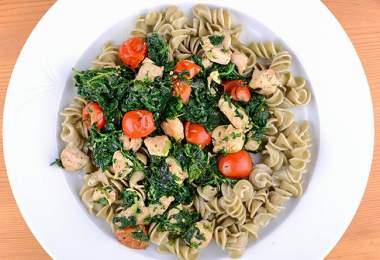 Olaszos recept spenóttal, csirkemellel és paradicsommal
