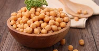 Miért egészséges a csicseriborsó? Diétás receptekkel.